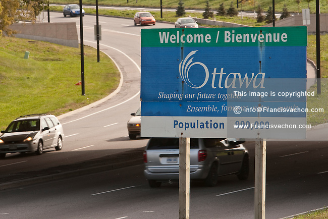A welcome / bienvenue sign is seen at the entrance of Ottawa Wednesday September 29, 2010.