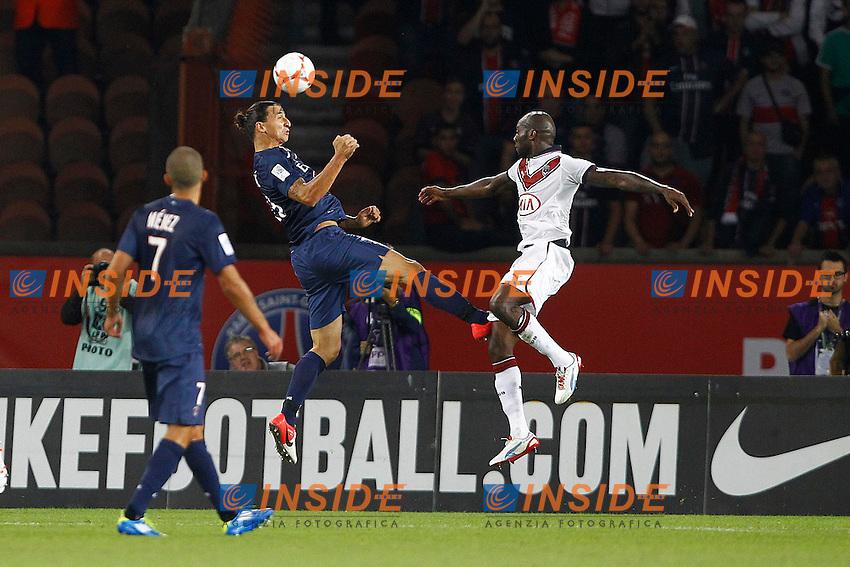 Zlatan Ibrahimovic (PSG) vs Michael Ciani (Bordeaux)  .26/08/2012 Parigi.Football 2012 /2013.Paris Saint Germain vs Bordeaux .