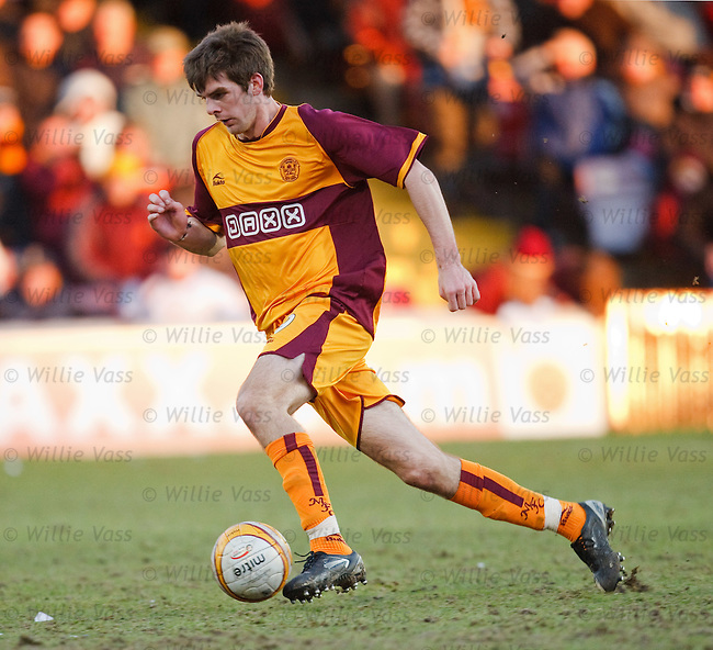 Cillian Sheridan in action for Motherwell