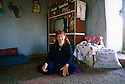 Turkey 1997.Hane, the oldest woman of Midin, in her house.Turquie 1997.Hané, la doyenne du village de Midin, chez elle.