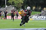 12. Spieltag GFL 2014/2015 Munich Cowboys - Rhein-Neckar Bandits Dantestadion am 23.08.2014.<br /> <br /> Im Bild Danny WASHINGTON (1) (Rhein-Neckar Bandits) kann den Pass fangen. Daniel NENTWICH (34) (Munich Cowboys) kann dies nicht verhindern. im Spiel der GFL Munich Cowboys - Rhein Neckar Bandits.<br /> <br /> Foto &copy; P-I-X.org *** Foto ist honorarpflichtig! *** Auf Anfrage in hoeherer Qualitaet/Aufloesung Belegexemplar erbeten Veroeffentlichung ausschliesslich fuer journalistisch-publizistische Zwecke For editorial use only.