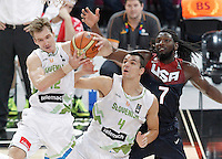 Slovenia's Zoran Dragic (l) and Jure Balazic (c) and USA's Kenneth Faried during 2014 FIBA Basketball World Cup Quarter-Finals match.September 9,2014.(ALTERPHOTOS/Acero)