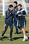Madrid (24/02/10).-Entrenamiento del Real Madrid..Rafael Van der Vaart y Xabi Alonso...© Alex Cid-Fuentes/ ALFAQUI..Madrid (24/02/10).-Training session of Real Madrid c.f..Rafael Van der Vaart and Xabi Alonso...© Alex Cid-Fuentes/ ALFAQUI.