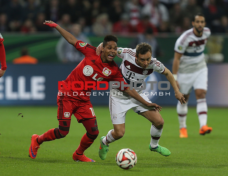08.04.2015, BayArena, Leverkusen, DFB Pokal, Bayer 04 Leverkusen vs. Bayern M&uuml;nchen<br /> Wendell (Leverkusen), Rafinha (M&uuml;nchen)<br /> Foto &copy; nordphoto /  Bratic