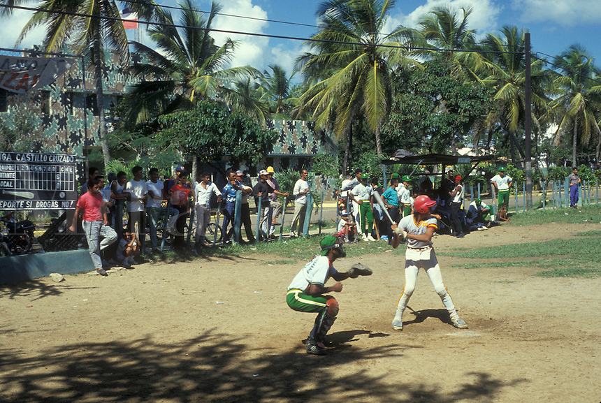 AJ2321, Dominican Republic, baseball, Caribbean, Caribbean Islands, Baseball game in Miguey in the Dominican Republic.
