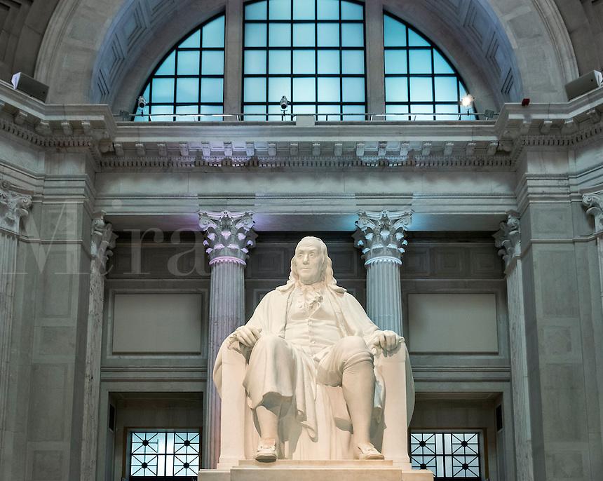 Benjamin Franklin statue at the Franlin Institute.