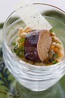 """Europe/France/Rhone-Alpes/73/Savoie/St-Marcel: restaurant """"La Bouitte"""" Foie Gras de canard, cuisson à sec, bouillon léger de coco, huile de truffe recette de René Meilleur"""