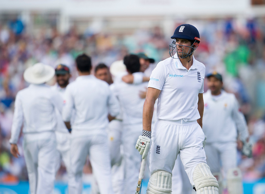 England's Alastair Cook dejected after his dismissal - Alastair Cook c Iftikhar Ahmed b Wahab Riaz 7<br /> <br /> Photographer Ashley Western/CameraSport<br /> <br /> International Cricket - 4th Investec Test - England v Pakistan - Day 3 - Saturday 13th August 2016 - The Oval - London<br /> <br /> World Copyright &copy; 2016 CameraSport. All rights reserved. 43 Linden Ave. Countesthorpe. Leicester. England. LE8 5PG - Tel: +44 (0) 116 277 4147 - admin@camerasport.com - www.camerasport.com