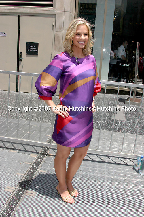 Elisabeth Hasselbeck.Barbara Walters receives Star on the Hollywood Walk of Fame.Hollywood & Highland.Los Angeles, CA.June 14, 2007.©2007 Kathy Hutchins / Hutchins Photo....