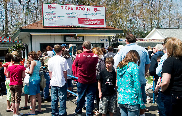 MIDDLEBURY, CT- 26 APRIL 2008- 042608JT15- <br /> Vistors at Quassy Amusement Park in Middlebury form a line in front of the ticket booth during the park's 100th season opening on Saturday.<br /> Josalee Thrift / Republican-American