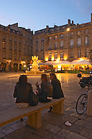 Place du Parlement girls on a bench bordeaux france