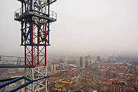 "milano, vista dalla nuova sede della regione lombardia verso l'area garibaldi-isola, oggetto di riqualificazione nel progetto porta nuova --- milan, view from the new skyscraper headquarter of Lombardy Region authority towards the construction yards for the ""porta nuova"" requalification project on the garibaldi-isola area."