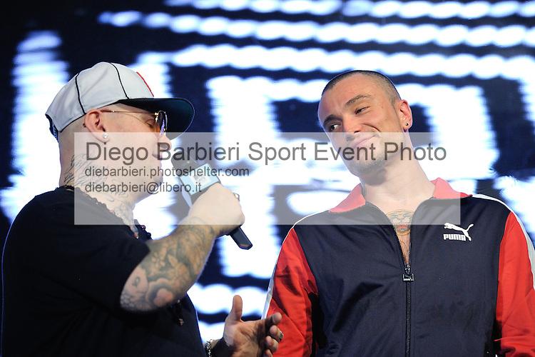 (KIKA) - TORINO, 29/06/2012 - I Guè Pequeno e Jake La Furia dei Club Dogo durante la prima serata degli MTV Days in piazza Castello a Torino, il 29 giugno 2012.