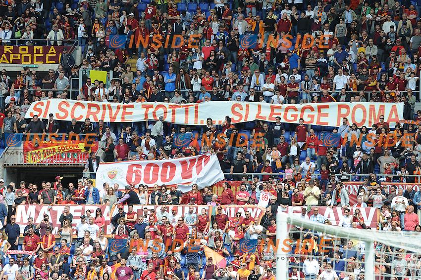 Tifosi della Roma.<br /> Roma 8-05-2016  Stadio Olimpico<br /> Campionato Serie A,<br /> AS Roma - Chievo<br /> Foto Antonietta Baldassarre / Insidefoto