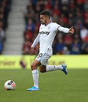 West Ham United's Manuel Lanzini<br /> <br /> Photographer Rob Newell/CameraSport<br /> <br /> The Premier League - Bournemouth v West Ham United - Saturday 28th September 2019 - Vitality Stadium - Bournemouth<br /> <br /> World Copyright © 2019 CameraSport. All rights reserved. 43 Linden Ave. Countesthorpe. Leicester. England. LE8 5PG - Tel: +44 (0) 116 277 4147 - admin@camerasport.com - www.camerasport.com