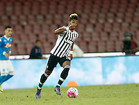 Juventus' Mario Lemina controls the ball during the  italian serie a soccer match against    SSC Napoli,    at  the San  Paolo   stadium in Naples  Italy , September 26 , 2015