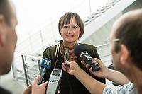 10. Sitzung des &quot;1. Untersuchungsausschuss&quot; der 19. Legislaturperiode des Deutschen Bundestag am Donnerstag den 17. Mai 2018 zur Aufklaerung des Terroranschlag durch den islamistischen Terroristen Anis Amri auf den Weihnachtsmarkt am Berliner Breitscheidplatz im Dezember 2016.<br /> In der Sitzung wurden in einer oeffentlichen Anhoerung als Sachverstaendige zum Thema: &quot;Foederale Sicherheitsarchitektur&quot; u.a. der ehemalige Chef des Bundesamt fuer Verfassungssschutz (Heinz Fromm), der ehemalige Direktor des Bundeskriminalamt (Juergen Maurer) und Rechtswissenschaftler befragt.<br /> Im Bild: Martina Renner, Obfrau der Linkspartei im AUsschuss, gibt vor der Ausschusssitzung ein Interview.<br /> 17.5.2018, Berlin<br /> Copyright: Christian-Ditsch.de<br /> [Inhaltsveraendernde Manipulation des Fotos nur nach ausdruecklicher Genehmigung des Fotografen. Vereinbarungen ueber Abtretung von Persoenlichkeitsrechten/Model Release der abgebildeten Person/Personen liegen nicht vor. NO MODEL RELEASE! Nur fuer Redaktionelle Zwecke. Don't publish without copyright Christian-Ditsch.de, Veroeffentlichung nur mit Fotografennennung, sowie gegen Honorar, MwSt. und Beleg. Konto: I N G - D i B a, IBAN DE58500105175400192269, BIC INGDDEFFXXX, Kontakt: post@christian-ditsch.de<br /> Bei der Bearbeitung der Dateiinformationen darf die Urheberkennzeichnung in den EXIF- und  IPTC-Daten nicht entfernt werden, diese sind in digitalen Medien nach &sect;95c UrhG rechtlich geschuetzt. Der Urhebervermerk wird gemaess &sect;13 UrhG verlangt.]