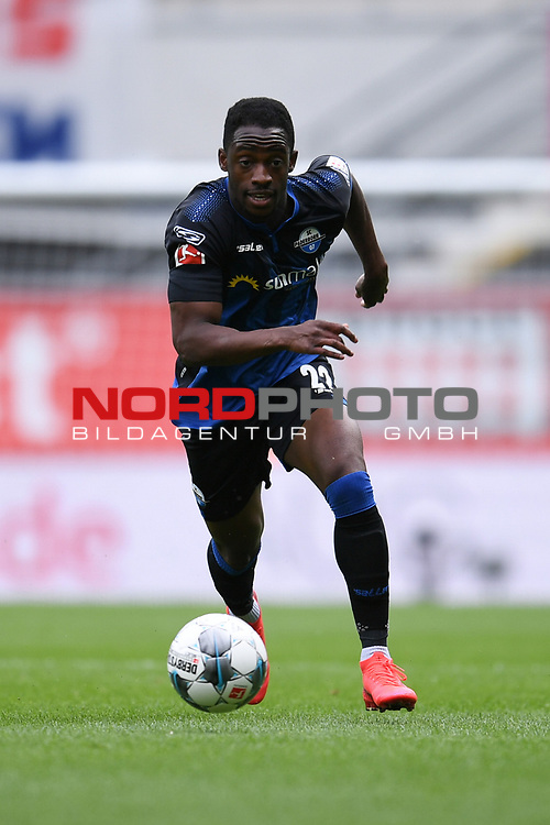Einzelaktion Christopher Antwi-Adjei (SC Paderborn #22), <br /><br />Foto: Edith Geuppert/GES /Pool / Rauch / nordphoto <br /><br />DFL regulations prohibit any use of photographs as image sequences and/or quasi-video.<br /><br />Editorial use only!<br /><br />National and international news-agencies out.