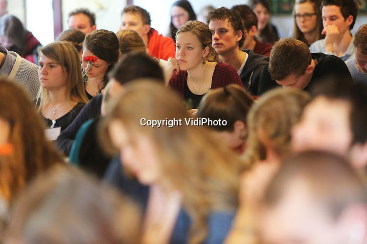 Foto: VidiPhoto<br /> <br /> LAGE VUURSCHE - Bijbelstudieconferentie van de LCJ in het Koos Vorrinkhuis in Lage Vuursche.