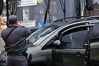 SÃO PAULO,SP,05-11-2013 - TENTATIVA ROUBO - Dois homens foram presos depois da tentativa de roubo de um carro idea na av Rio das Pedras na zona leste.O caso foi encaminhado para o 41ºDP na vila rica(.Foto Ale Vianna/Brazil Photo Press.)