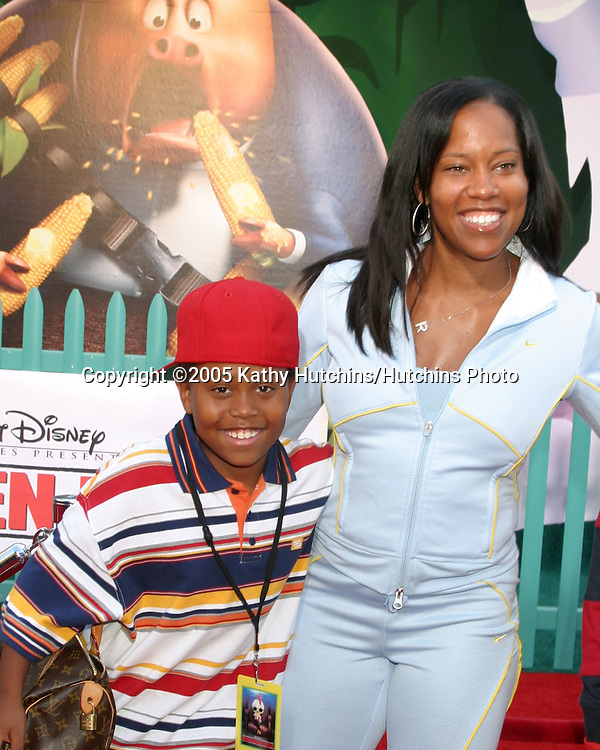 Regina King and son.Chicken Little Premiere.El Capitan Theater.Los Angeles, CA.October 30, 2005.©2005 Kathy Hutchins / Hutchins Photo