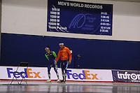 SPEEDSKATING: CALGARY: 12-11-2015, Olympic Oval, training, Kai Verbij en Ronald Mulder, ©foto Martin de Jong