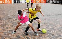 Nederland -  Amsterdam  2017.   Sportdag in de Bijlmer. Straatvoetbal toernooi.   Foto mag niet in negatieve context gebruikt worden.   Foto Berlinda van Dam / Hollandse Hoogte