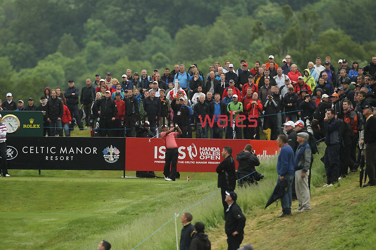 Tongchai Jaidee tees off on the 17th hole during the final round of the ISPS Handa Wales Open 2012..03.06.12.©Steve Pope