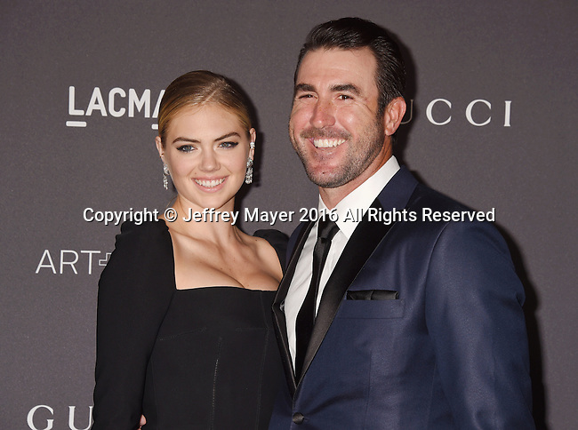 LOS ANGELES, CA - OCTOBER 29: Model/actress Kate Upton (L) and MLB player Justin Verlander attend the 2016 LACMA Art + Film Gala honoring Robert Irwin and Kathryn Bigelow presented by Gucci at LACMA on October 29, 2016 in Los Angeles, California.
