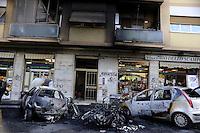 Roma 7 Dicembre 2011.Incendiati nella notte 16 motorini e 3 automobili  in Via Antonio Tempesta, al quartiere Tor Pignattara Pigneto,riportati danni anche nei palazzi adiacenti all'incendio