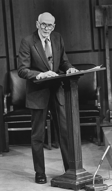 Sen. Alan Cranston, D-Calif., (3rd of the Keating 5) giving his testimony on Nov. 16, 1990. (Photo by Maureen Keating/CQ Roll Call via Getty Images)