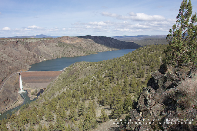 Rimrock and juniper above Prineville Reservoir, Oregon.