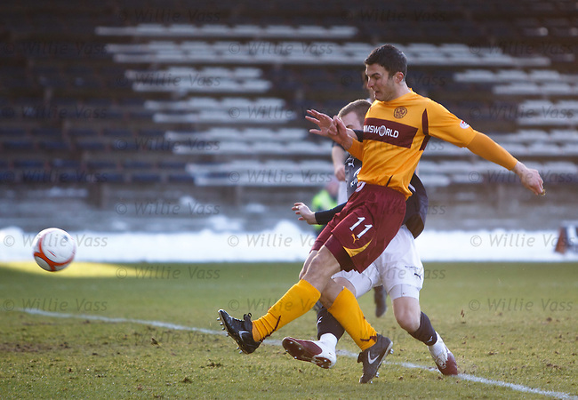 John Sutton scores the opening goal for Motherwell