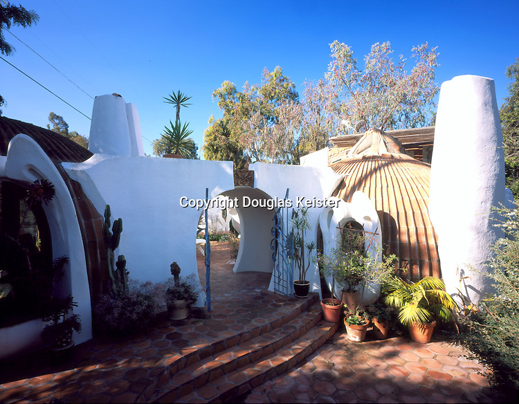 Hubbell and Hubbell Cottage in Del Mar<br />3877 Arroyo Sorrento Rd San Diego (Del Mar) 92130