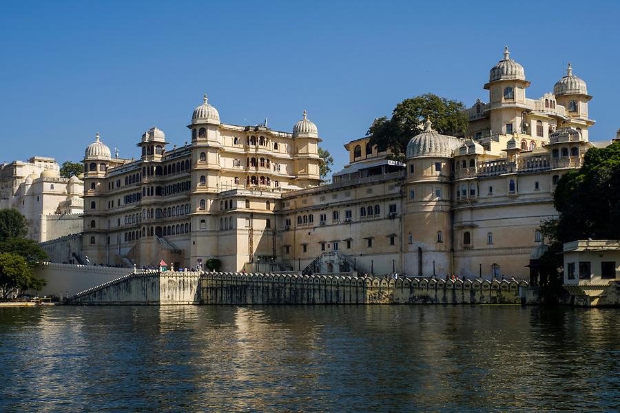 UDAIPUR, INDIA - CIRCA NOVEMBER 2016:  View of the City Palace and Lake Pichola in Udaipur