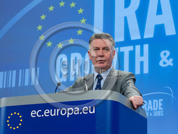 Brussels-Belgium - November 09, 2010 -- Karel De GUCHT, European Commissioner from Belgium and in charge of Trade, during a press conference in the HQ of the EC -- Photo: Horst Wagner / eup-images