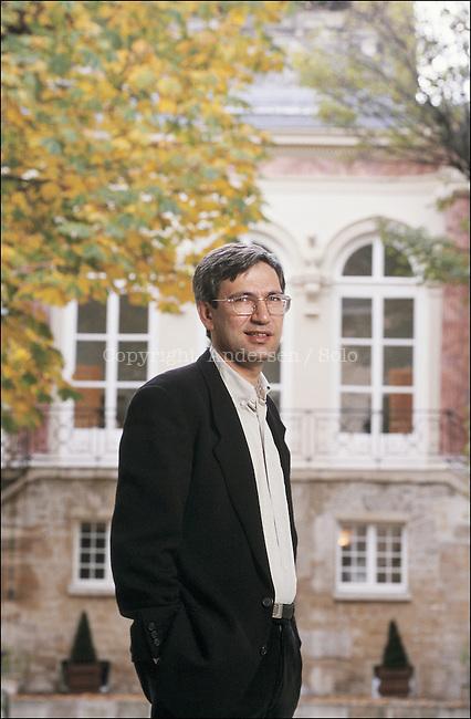 Orham Pamuk in Paris for promotion.