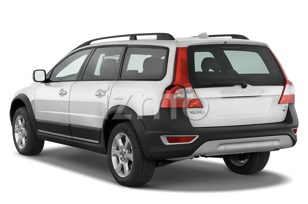 Rear three quarter view of a 2008 Volvo XC 70
