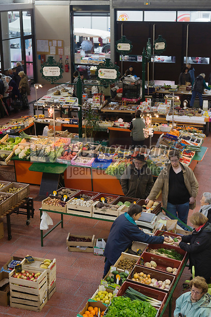 Europe/France/Centre/41/Loir-et-Cher/Sologne/Romorantin-Lanthenay: Le marché sous la Halle // Europe/France/Centre/41/Loir-et-Cher/Sologne/Romorantin-Lanthenay: The market in the Halle