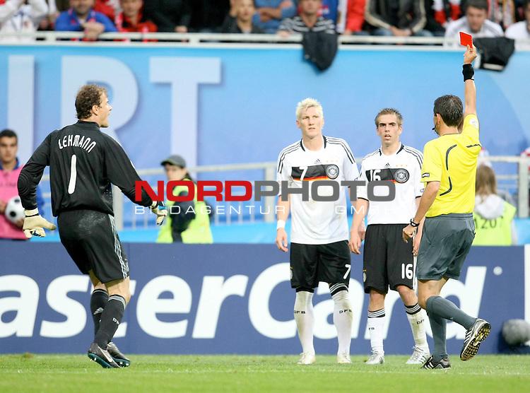 UEFA Euro 2008 Group B Klagenfurt - W&ouml;rthersee Match 11  Stadion Woerthersee<br /> Kroatien ( CRO ) - Deutschland ( GER ) 2:1 (1:0 <br /> <br /> rote Karte f&uuml;r Bastian Schweinsteiger ( Germany / Mittelfeldspieler / Midfielder /  Bayern Muenchen #7) - li Jens Lehmann (Germany / Torh&uuml;ter / Goalkeeper /  ARSENAL London #1) re Philipp Lahm ( Germany  / Verteidiger / Defender / Bayern Muenchen #16) <br /> <br /> Foto &copy; nph (  nordphoto  )<br /> <br /> <br /> <br />  *** Local Caption ***