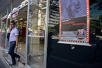São Paulo, SP, 15.09.2014 - Protesto Bancários - O sindicatos dos bancários e financiários do estado de São Paulo realizam um ato contra as metas abusivas, salários melhores e condições de trabalho, na manhã de dessa segunda, 15, na av paulista. ( Renato Mendes - Brazil Photo Press)
