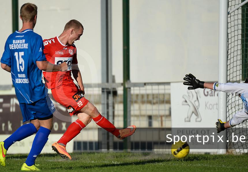 OMS Ingelmunster - KV Kortrijk : Michael Lallemand scoort de 0-3 voor Kortrijk<br /> foto VDB / BART VANDENBROUCKE