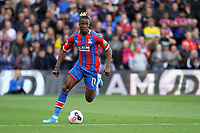 Wilfried Zaha of Crystal Palace runs with the ball during the Premier League match between Crystal Palace and Norwich City at Selhurst Park on September 28th 2019 in London, England. (Photo by Mick Kearns/phcimages.com)<br /> Foto PHC/Insidefoto <br /> ITALY ONLY