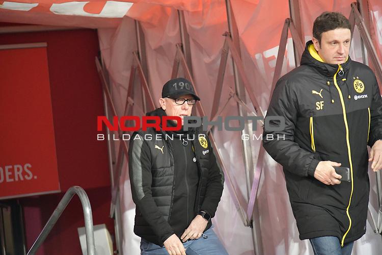 02.02.2018, RheinEnergieStadion, Koeln, GER, 1.FBL., 1. FC K&ouml;ln vs. Borussia Dortmund<br /> <br /> im Bild / picture shows: <br /> Trainer / Headcoach Peter St&ouml;ger / Stoeger (Borussia Dortmund),  kommt aus der Kabine<br /> <br /> <br /> Foto &copy; nordphoto / Meuter