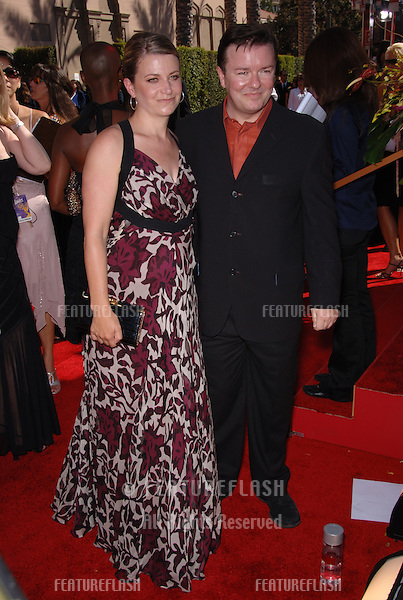 Actor RICKY GERVAIS & girlfriend JANE FALLON at the 2006 Primetime Emmy Awards at the Shrine Auditorium, Los Angeles..8 27, 2006 Los Angeles, CA.© 2006 Paul Smith / Featureflash