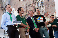 Verona: Flavio Tosi, Attilio Fontana, Roberto Maroni e Matteo Salvini durante la manifestazione organizzata dalla Lega Nord per protestare contro l'IMU la tassa sulla casa introdotta dal Governo Monti.