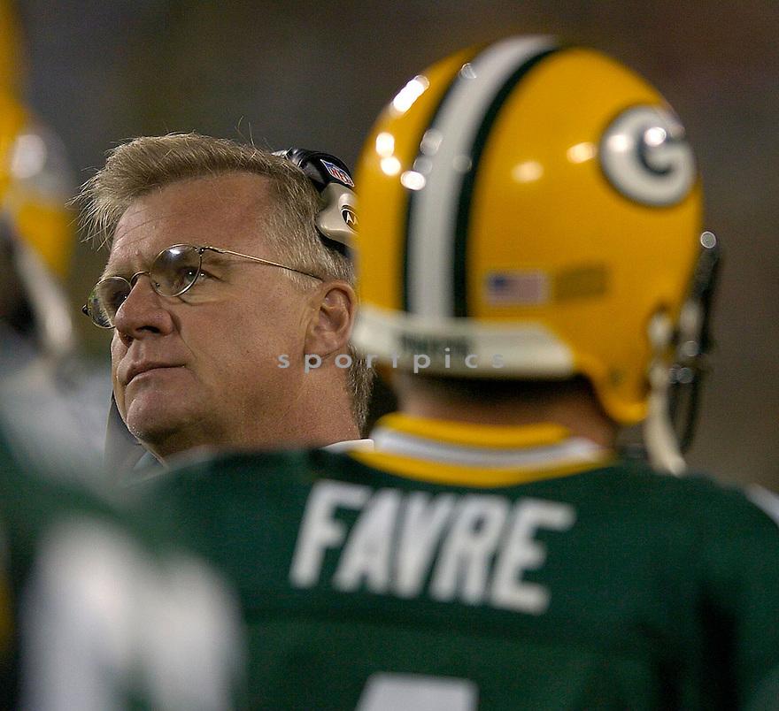 Mike Sherman during the Packers v. Titans game on October 11, 2004...Titans win 48 - 27..Chris Bernacchi / SportPics.