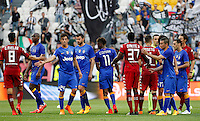 Calcio, Serie A: Juventus vs Cagliari. Torino, Juventus Stadium, 9 maggio 2015. <br /> Juventus and Cagliari players greet at the end of the Italian Serie A football match between Juventus and Cagliari at Turin's Juventus Stadium, 9 May 2015.<br /> UPDATE IMAGES PRESS/Isabella Bonotto