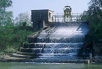 - waters drainage of an electric power station in the Po river ....- scarico delle acque di una centrale idroelettrica nel fiume Po