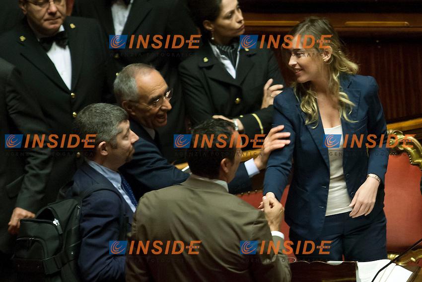 Franco Carraro si congratula con Maria Elena Boschi<br /> Roma 08-08-2014  Senato. Discussione sul DdL Riforme costituzionali che prevede anche la riforma del Senato. <br /> Photo Samantha Zucchi Insidefoto